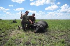 buffalo-hunting-ekuja-hunting-safaris-4