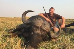buffalo-hunting-ekuja-hunting-safaris-7